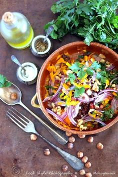Salade de potimarron cru, noisettes, noix et huile de noisette