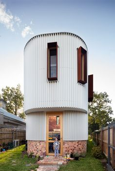 Tandem created the True North House for a tapering triangular plot in the Kensington neighbourhood of Melbourne, which was previously occupied by a decaying 1950s cottage and a stables built in the 1880s.