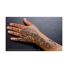 The Henna Page - How apply henna: Gilding and Zardosi Techniques ❤ liked on Polyvore featuring tattoos, henna, pics, body and tattoos/piercings