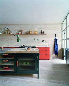 Plain English is a traditional joinery company that makes beautiful bespoke kitchens and cupboards in the UK. Simple and honest in design, all our kitchens are crafted and painted by hand in our Suffolk workshop, by experienced artisans, who are trained in the time-honoured techniques of 18th and 19th century cabinetmaking.
