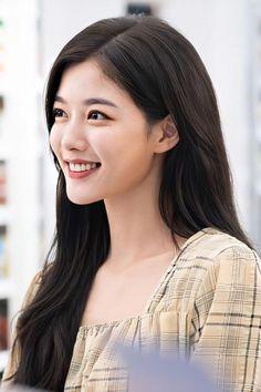 Kim Yoo Jung Photoshoot, Kim Yoo Jung Fashion, Seo Ji Hye, Ideal Girl, Haircut Styles, Korean Actresses, Goddesses, Beauty Women, Ulzzang