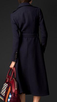 Trench coat com saia de lã virgem escovada   Burberry