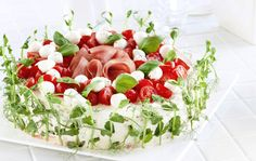 Ensure that your craft service table has a number of snacks. Together with the carbohydrates, many desserts also add more fat and calories also. Sandwich Cake, Sandwiches, Bridal Shower Snacks, Veggie Cakes, Beach Meals, Fruit Plate, Salty Cake, Savoury Cake, Dessert Recipes