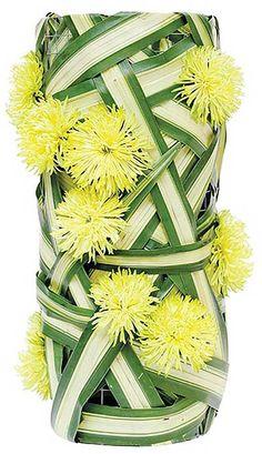 Thai Floral Artistiek Unique Flower Arrangements, Ikebana Flower Arrangement, Ikebana Arrangements, Purple Bouquets, Bridesmaid Bouquets, Pink Bouquet, Brooch Bouquets, Flower Bouquets, Bridal Bouquets