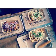 Frittenwerk - Die Pommesmanufaktur, friesbeforeguys, fritten, fries, chilli cheese, onions, pulled pork, barbeque, poutine, street food, foodie, food, düsseldorf, bilk, germany,