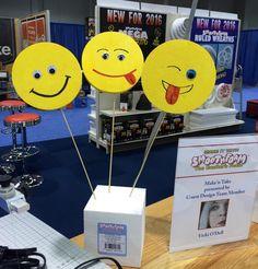 Emoji+signs Emoji Signs, Make Emoji, Oreo Pops, Cupcake Wrappers, Favor Bags, Party Games, Garland, Coasters, Balloons