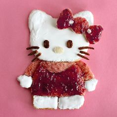 'Mallow Kitty // Marshmallow Fluff and Raspberry Jam on White Bread // Hello Kitty!