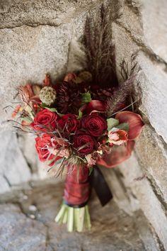 Red Flowers. Winter Bouquet. Winter Lodge Wedding. Lodge Wedding. Red Winter Wedding. Winter Outdoor Wedding.