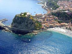 New Italian lesson about Italy: Scilla. Download the lesson here: http://www.lingua-italiana.org/geografia-turistica/scilla/  ----- לימוד איטלקית: מגלים את איטליה! - שיעור להורדה