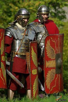 Roman legionaries waiting for enemies to slaughter Ancient Armor, Medieval Armor, Imperial Legion, Roman Armor, Roman Legion, Roman Era, Roman Soldiers, Roman History, Knight Armor