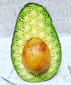 A lil avocado art this morning! Someone here that it was too pretty to eat, and I had to disagree. 😂 We are so in love with avocados. Pic: @gakugakugakugakugaku1