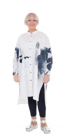 Moyuru Oversized White Printed Shirt