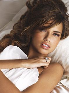 Adriana Lima. Want her hair color!!