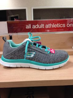 I saw them at Sears today and had to pin them. Sketchers memory f Sketchers Shoes Women, Workout Shoes, Workout Wear, Cute Shoes, Me Too Shoes, Awesome Shoes, Skechers, Everyday Shoes, Shoes