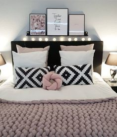 Snug teen girl bedrooms planning for that cozy teen girl bedroom decor, image example 2154718221 Bedroom Decor On A Budget, Cute Bedroom Ideas, Decoration Bedroom, Room Ideas Bedroom, Girls Bedroom, Cosy Bedroom, Black Bedroom Decor, Girl Bathroom Decor, Woman Bedroom