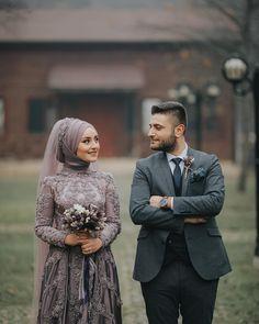 Hijabi Wedding, Muslimah Wedding Dress, Muslim Wedding Dresses, Wedding Couple Poses Photography, Wedding Poses, Wedding Couples, Wedding Couple Photos, Pre Wedding Photoshoot, Cute Muslim Couples