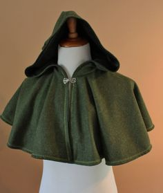Green Wool Elven Archer Cape Capelet Tudor Medieval Forest Renaissance Costume Game of Thrones Cloak