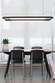 La famille PIPELINE de @and_light est un système de suspension linéaire LED qui facilite un potentiel pratiquement illimité dans la composition de ses composants. pour en savoir plus, visitez notre site web! Vancouver, Design Studio Office, Unique Lighting, Lighting Ideas, Home Office Lighting, Luminaire Design, Cafe Design, Lighting Solutions, Media Design