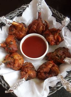 Chicken Lollipops is one of the world famous non-vegetarian recipes in the menu list. Chicken Recipes Indian style is famous for its spicy and crispy taste. Leg pieces are coated with yogurt and blend of spice batter; it's a kind of fried chicken recipes.