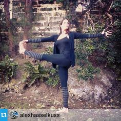 Beautiful and powerful pose showcasing the Bamboo blend Wrap and Float Legging by @alexhasselkuss .  http://www.anjaliclothing.com/new-arrivals-women.html  #yogapose #yogafashion #yoga #bermudayoga #islandyoga #comfyfashion #ecofashion #coolfashion #weekendeveryday #weekendstyle #instayoga #instastyle #instafashion #instafitness #style #stripes #athleisure #activechic #activewear #fitfashion #yoga