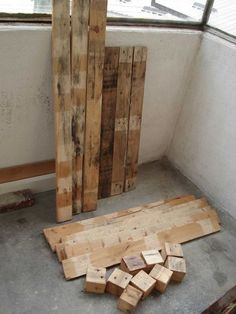 tuto comment démonter une palette / How to dismentel how to disassemble a pallet Palette Projects, Palette Diy, Diy Pallet Projects, Wood Projects, Woodworking Projects, Pallet Crates, Wood Pallets, Diy Bedroom Decor For Teens, Diy Furniture