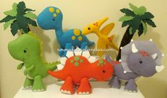 Pedido internacional vindo direto da Costa Rica.   Cinco modelos de dinossauros fofos e coloridos encomendados pela Brenda Wilbert, para ...