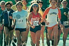 Vintage Style She Wears Short Shorts 70s Fashion, Sport Fashion, Vintage Fashion, Fashion Trends, Vintage Style, Shorts Retro, Susie Scott, 1980s Pop Culture, Prevent Diabetes
