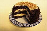 Kefíres-kakaós sütemény kókuszkrémmel