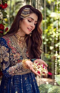 Awesome photoshoot of aiza khan.she is nice actress. Indian Fashion Modern, Indian Fashion Dresses, Hijab Fashion, Simple Dress Casual, Pakistani Wedding Outfits, Pakistani Dresses, Pakistani Bridal Makeup, Pakistani Clothing, Bridal Outfits