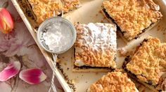 Hraběnčin strouhaný koláč s mákem Foto: Food Inspiration, Dairy, Bread, Cheese, Cake, Pie Cake, Pie, Cakes, Breads