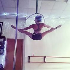 Learn How To Pole Dance From Home With Amber's Pole Dancing Course. Why Pay More For Pricy Pole Dance Schools? Lyra Aerial, Aerial Acrobatics, Aerial Dance, Aerial Hoop, Aerial Arts, Aerial Silks, Pole Dance Moves, Pole Dancing Fitness, Pole Fitness