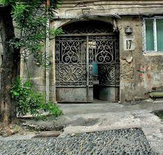 ჭიშკარი  თბილისის  ძველ  უბანში A 19th century house   gate in the Old Tbilisi  Georgia♥