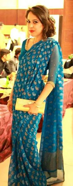 love the blue Ethnic Fashion, African Fashion, Indian Fashion, Indian Anarkali, Indian Sarees, Saree Styles, Blouse Styles, Indian Attire, Indian Wear
