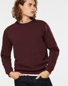Robin Sweatshirt Pullover Port Red aus Biobaumwolle #veganemode #veganfashion #fairfashion Robin, Vegan Fashion, Models, Men Sweater, Sweatshirts, Sweaters, Red, Shopping, Cotton