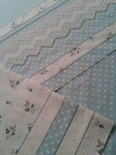 This post was discovered by Reyhan. Discover (and save!) your own Posts on Unirazi. Sewing Hacks, Sewing Projects, Fitted Bed Sheets, Crochet Leaves, Embroidered Pillowcases, Doll Beds, Diy Hat, Heirloom Sewing, Diy Pillows