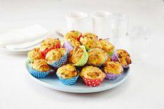 Populær skolemat å ha med i sekken. Recipe Boards, Omelette, Scones, Sushi, Tin, Picnic, Sandwiches, Berries, Food And Drink