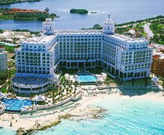 One of the best Vacations ever...Riu Cancun...hope Mexico can clean up it's act so I can go back someday.