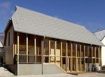 Casa prefabricada / moderna / con armazón de madera / de 2 etapas