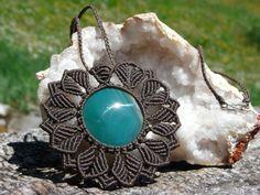 Macrame Pendant. Macrame Jewelry. Macrame with par Rasikoserena