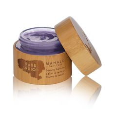 The Rare Indigo beauty balm is supercharged with clinically-tested rare extract of the indigo plant and potent anti-inflammatory, chamazulene-rich actives, making this skin-renewing balm an opulent skin treat.