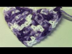 Haken - tutorial #107: granietsteek in een driehoek - YouTube Crochet Shawl, Crochet Stitches, The Happy Hooker, Crochet Triangle, Crochet Clothes, Crochet Projects, Diy Crafts, Make It Yourself, Close Up