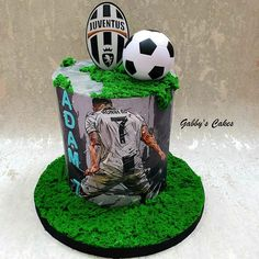 Football Cake Design, Football Cakes For Boys, Football Birthday Cake, Baby Boy Birthday Cake, Liverpool Cake, Barcelona Cake, Sports Themed Cakes, Soccer Cake, Dad Cake