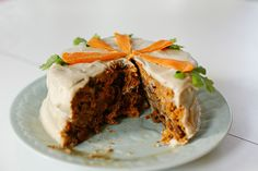 This raw vegan carrot cake looks amazing and probably tastes delish.
