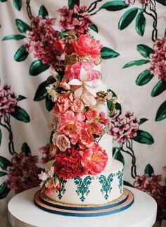 floral wedding cake   Whitney Neal