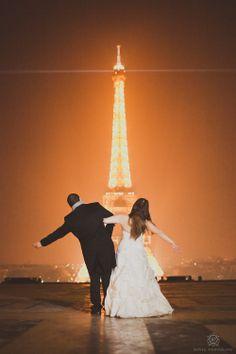 Wedding in Paris France.  Wedding Photos at night!!!  http://rowellphoto.com/overseas