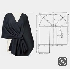 Modélisme ok stylish poncho, this is the pattern, but if you want to get this image without the hassle of mold can apply to your winter thick shawl 😏✂️ Fashion Sewing, Diy Fashion, Ideias Fashion, Fashion Dresses, Dress Sewing Patterns, Clothing Patterns, Sewing Clothes, Diy Clothes, Costura Fashion