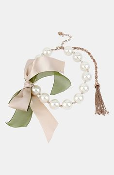 A sweet pearl necklace