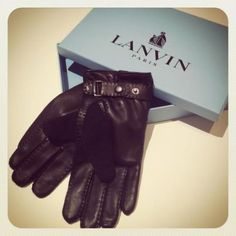 Leather and cashmere gloves by LANVIN.