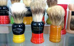 Vintage shaving brushes Wet Shaving, Safety Razor, Brushes, Beauty, Collection, Vintage, Blush, Vintage Comics, Paint Brushes