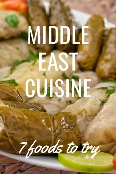 Discover the most healthy traditional Middle Eastern food. This list of popular favorites from Turkish, Israeli and Lebanese cuisine will add fun, flair, and zip to any Mediterranean diet. #middleeast #food #healthy #traditional #aswesawit My Favorite Food, Favorite Recipes, Around The World Food, Lebanese Cuisine, Best Street Food, Dubai Travel, Middle Eastern Recipes, World Recipes, Mediterranean Diet